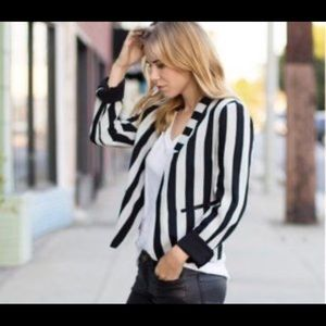 Line & Dot Striped Open Blazer